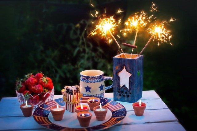4th of July celebration with candles and sparkles